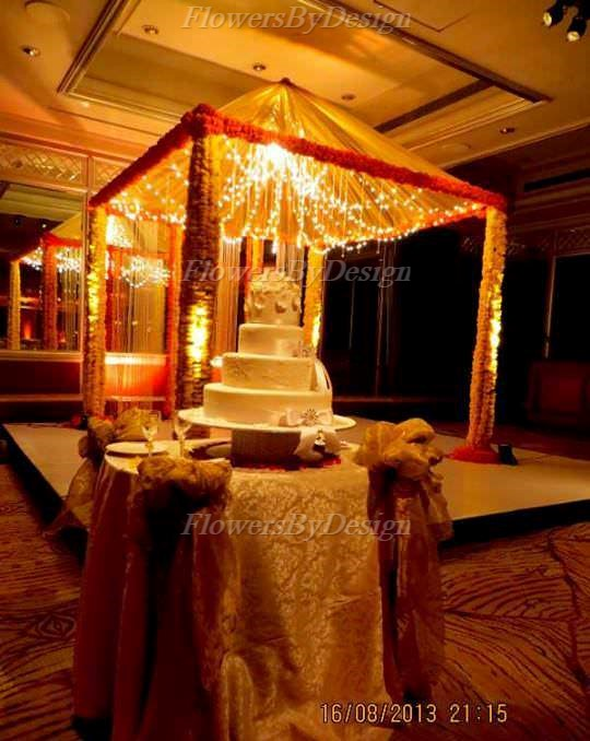 wedding cake and Stage Flower Decoration