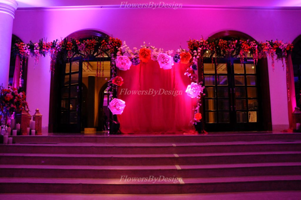Red Light Flower Decoration In Marriage